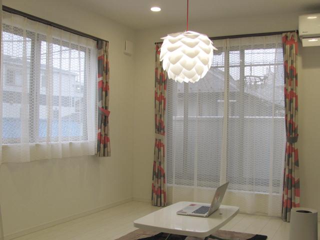 東京都足立区S様邸【ミッドセンチュリー】のオーダーカーテンの施工例